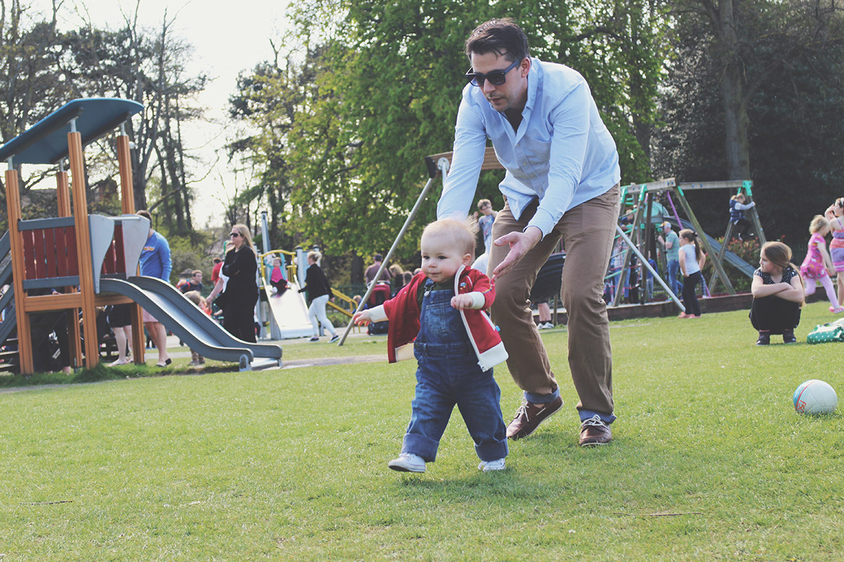 Picture Vomit - My Favourite Photos Of The Month; Dad chasing toddler at the park