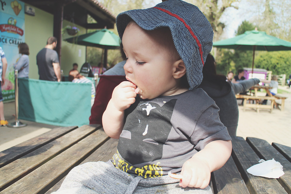 Picture Vomit - My Favourite Photos Of The Month; Toddler messily eating ice-cream at the park