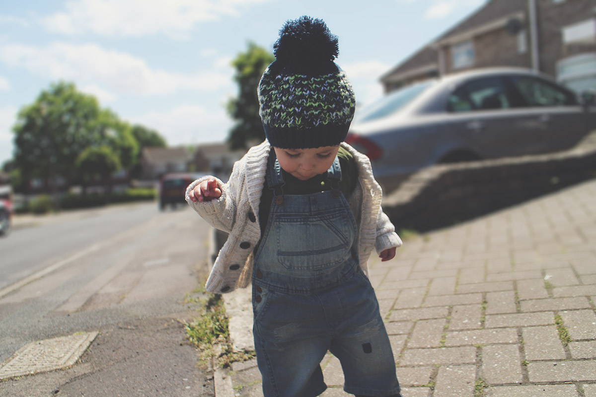 Fashion Friday // 022; Toddler wearing green American Apparel t-shirt and H&M dungarees and Primark cardigan