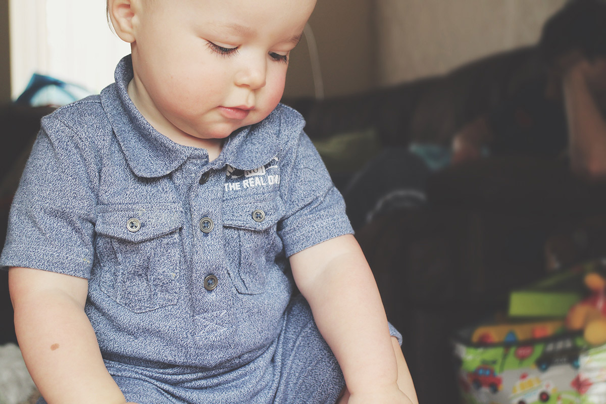 Fashion Friday #17: Toddler wearing F&F by Tesco blue speckled collared romper playing at home