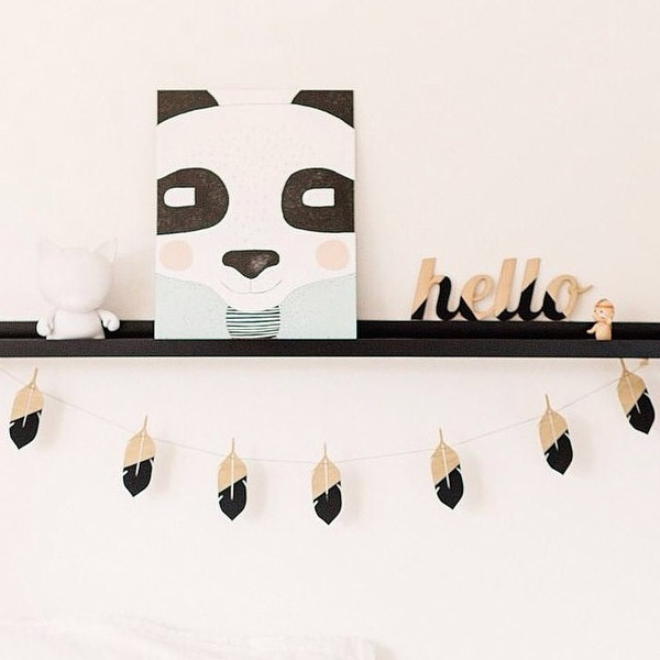 Large Feather Garland - Zilvi Kids Interior