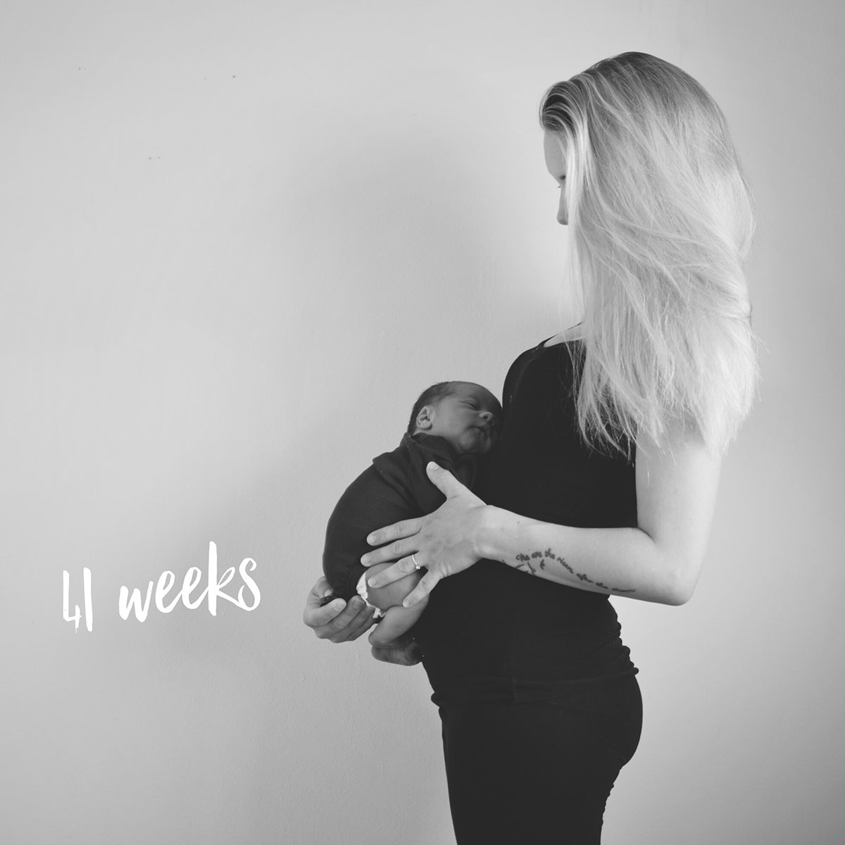 Our month in insta-snaps; August 2016 - 41 week bump pic featuring postpartum Mother and her new baby wearing black