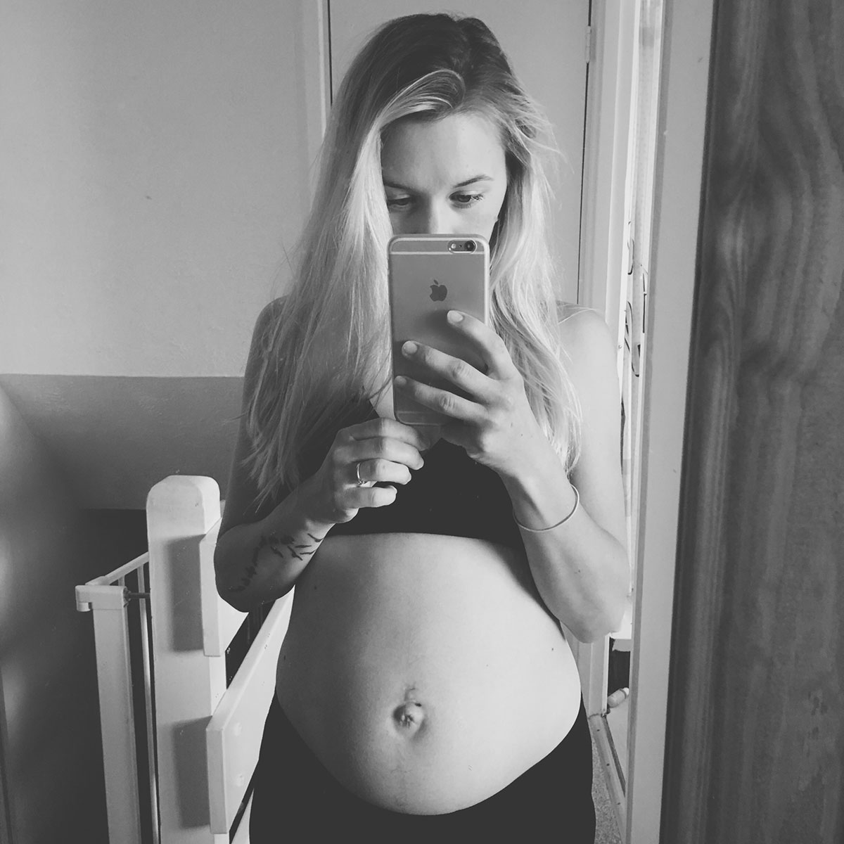 Our month in insta-snaps; August 2016 - Postpartum pregnancy body image pic