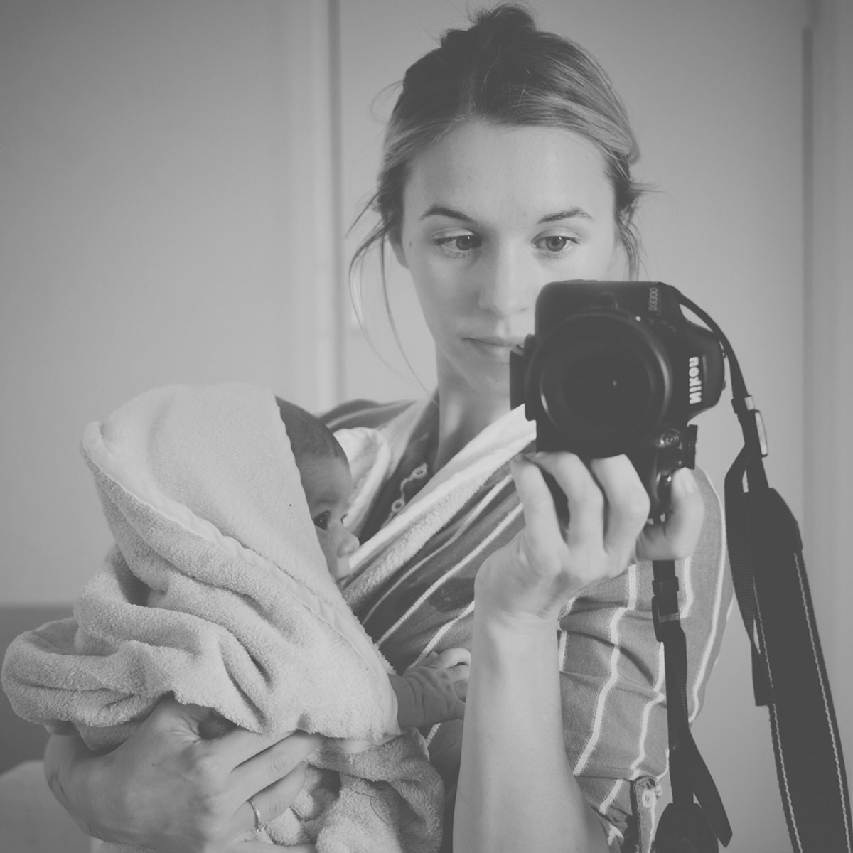 Our month in insta-snaps; September 2016 - Mother taking selfie with Nikon D3300 holding newborn baby boy in Cuddledry original oatmeal towel