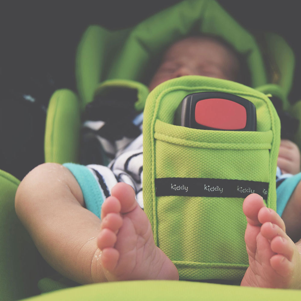 The First Ever Lie-Flat Infant Carrier; The KiddyUK Evoluna i-Size - No more 2 hour time limits on baby car seat