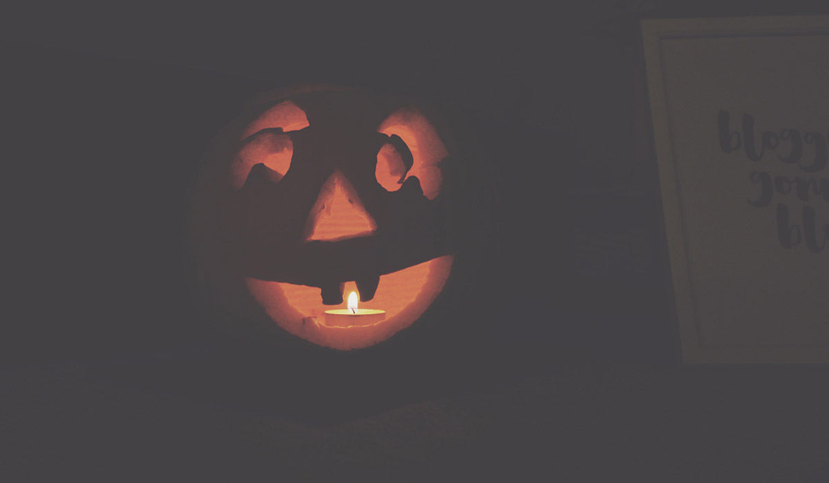 Halloween activities, carving pumpkins, baking and decorating cakes and fireworks — The Ordinary Moments #5