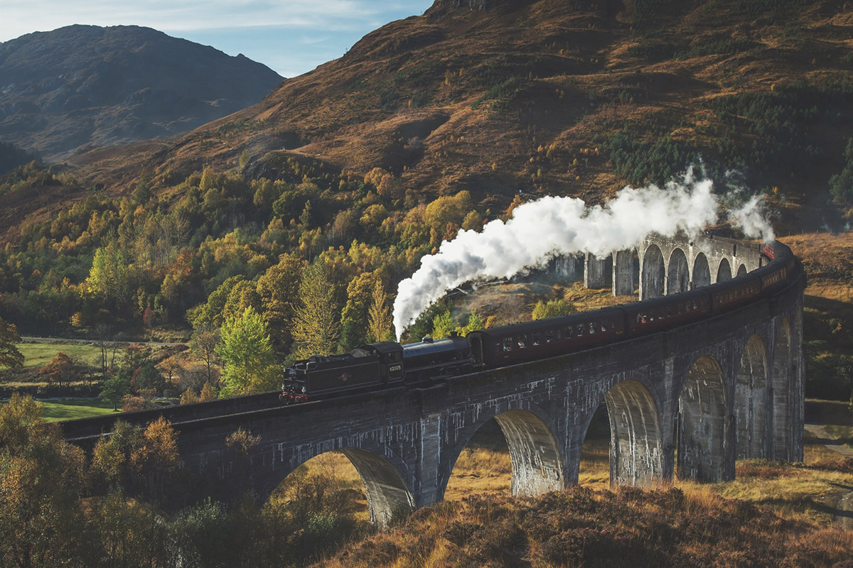 How to Holiday Like a Wizard - The Jacobite Steam Train: Glenfinnian Viaduct