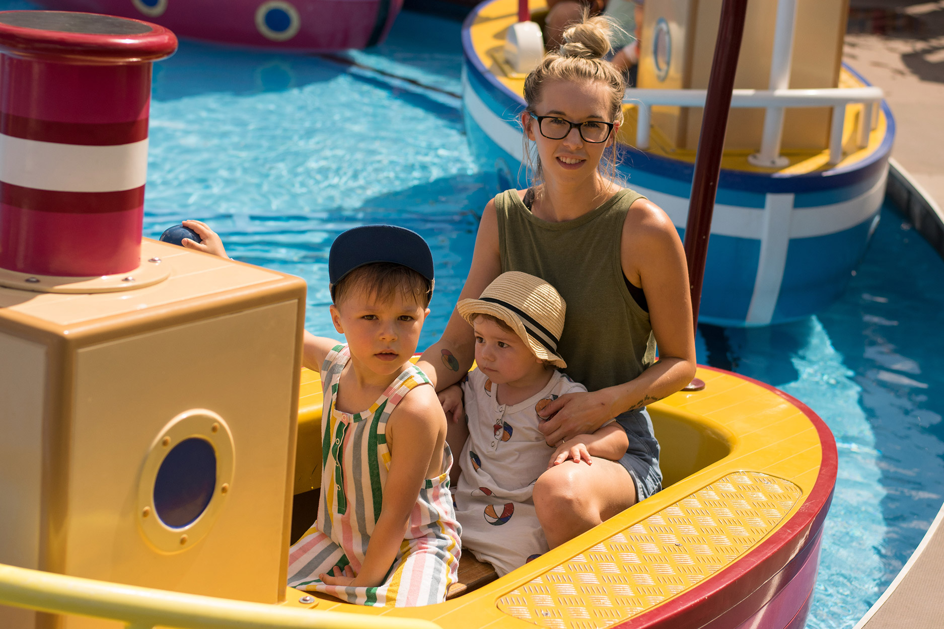 Grandpa Pig's Boat Trip - A family day out to Peppa Pig World and the Lost Kingdom at Paultons Park, Hampshire