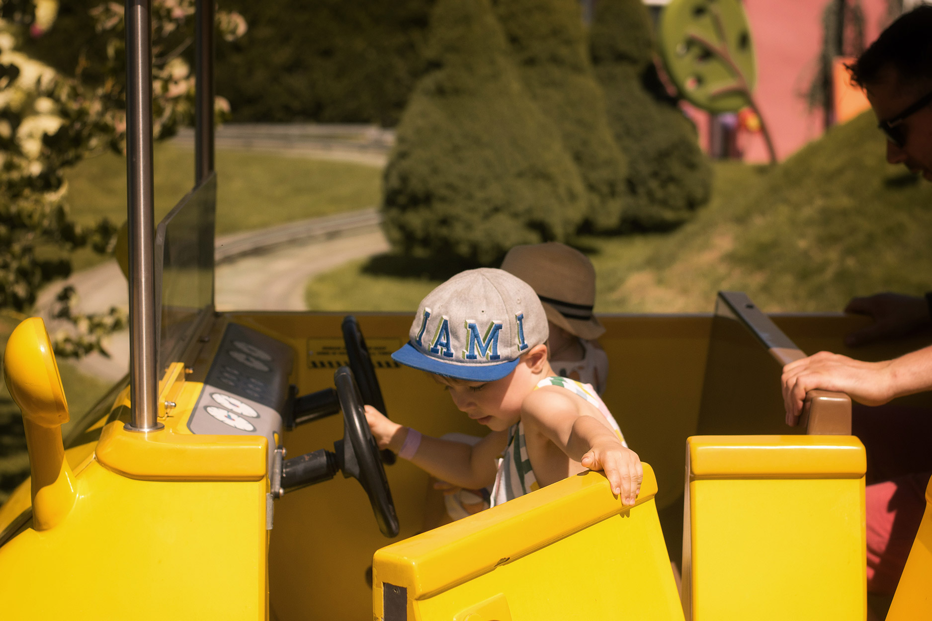 Daddy Pig's Car Ride - A family day out to Peppa Pig World and the Lost Kingdom at Paultons Park, Hampshire