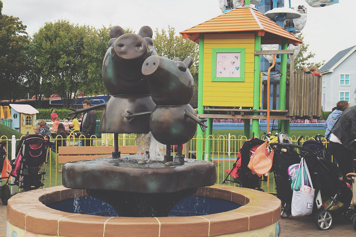 The Ultimate Toddlers Day Out at Peppa Pig World - Fountain at park
