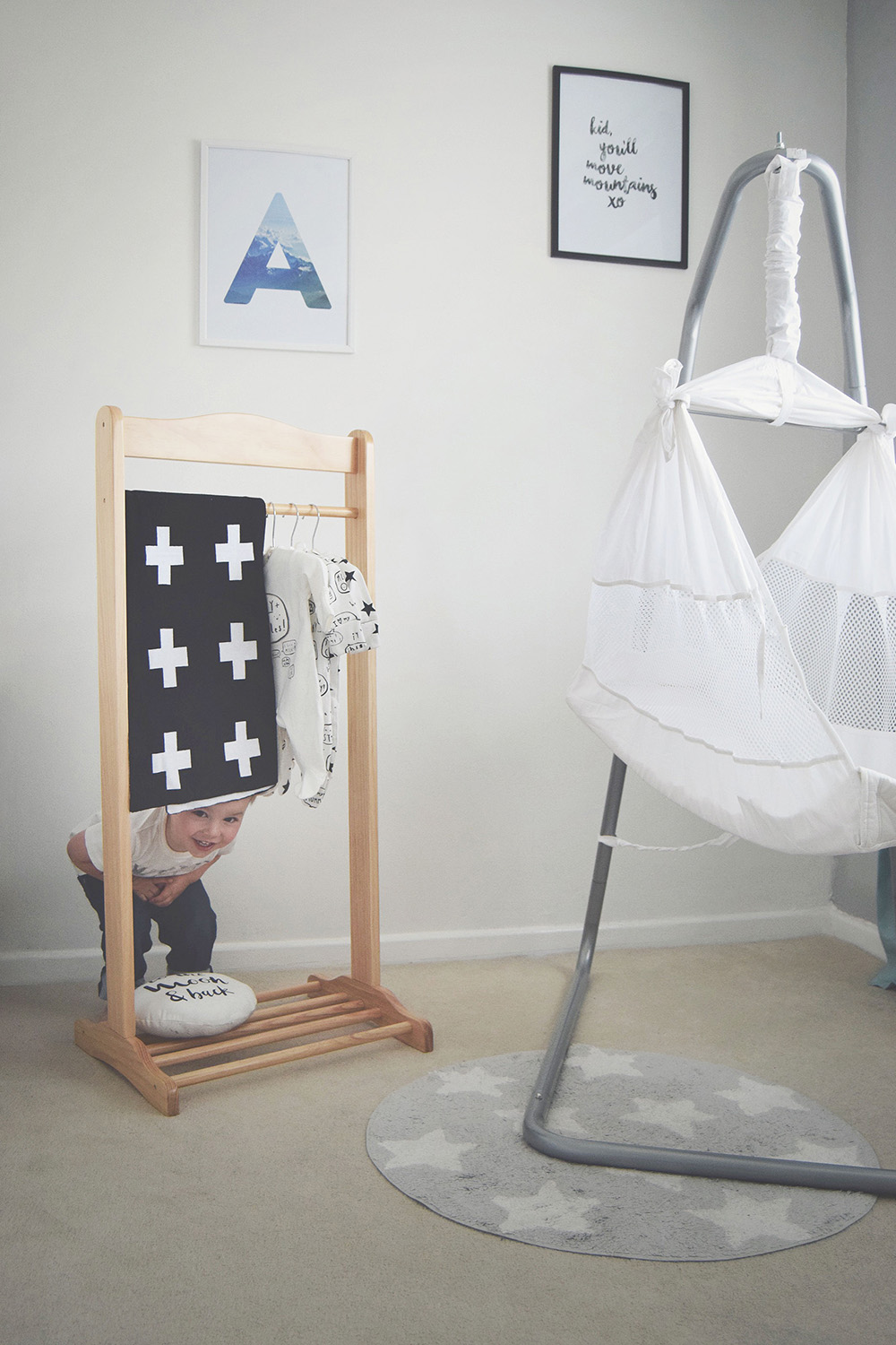 The Poco Baby Hammock; A modern sleep solution for newborn babies - colic, trapped wind relief
