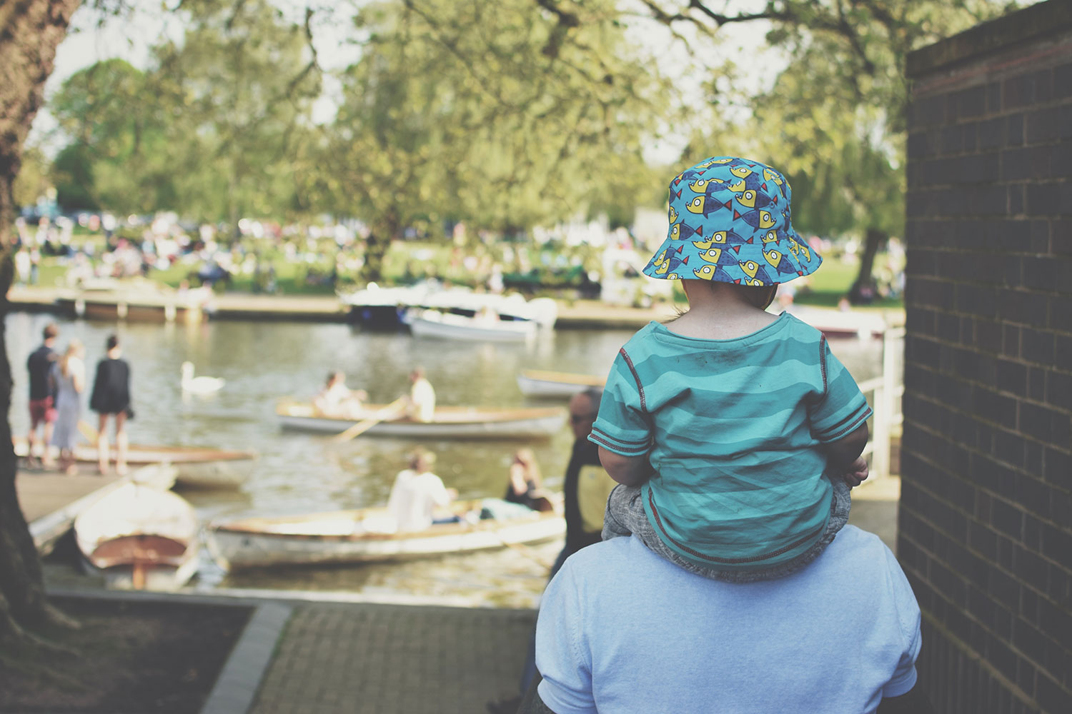 One Beautiful Sweaty Sunday at Stratford-upon-Avon - Toddler sitting on Grandad's shoulders at Stratford-upon-Avon on a warm, sunny day