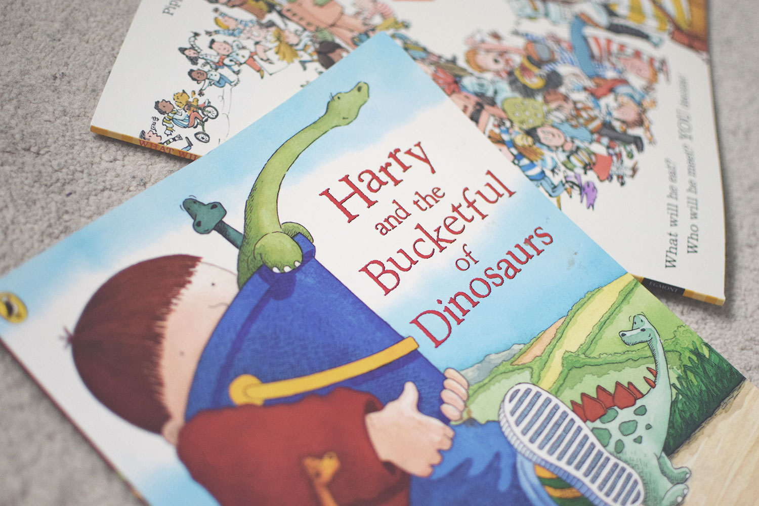 The Books You HAVE to Buy Your Toddler - Harry and the Bucketful of Dinosaurs by Ian Whybrow