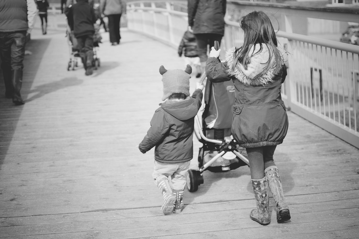 Our Day Out at the Slimbridge Wetland Centre, Gloucestershire - Cousins pushing the pram