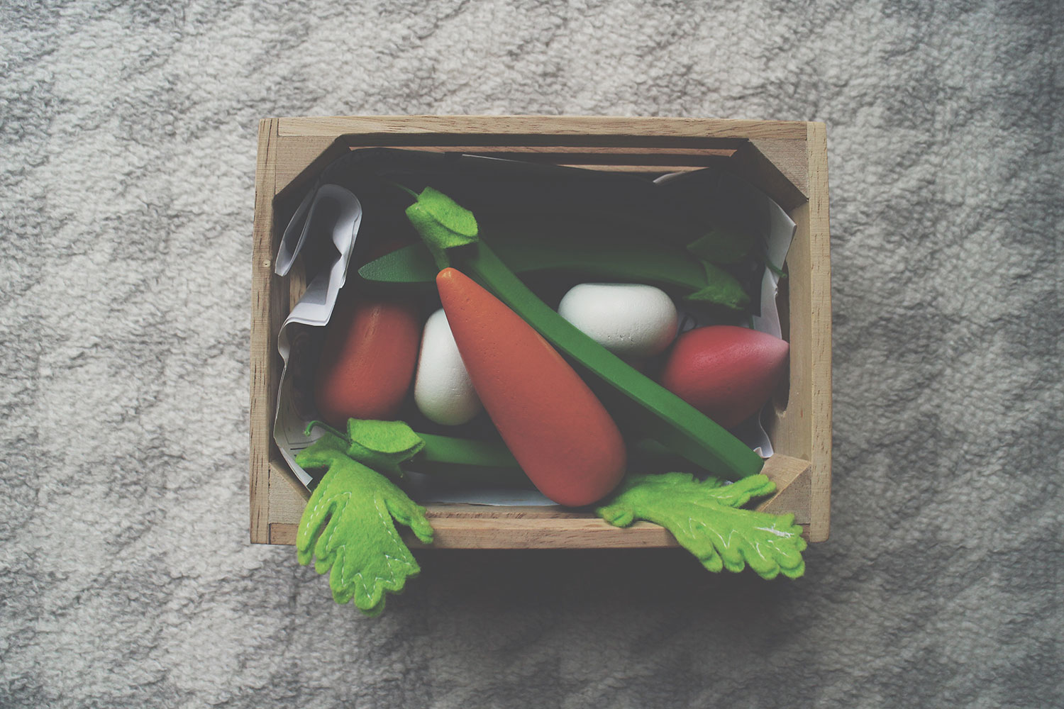 5 of The Best Wooden Toys for Toddlers - Le Toy Van harvest wooden vegetables in crate including carrots, radishes, for toy kitchen